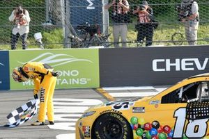 Kyle Busch, Joe Gibbs Racing, Toyota Camry M&M's Mini's, celebrates in Victory Lane.