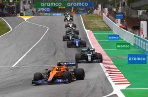 Lando Norris, McLaren MCL35M, Lance Stroll, Aston Martin AMR21, and Fernando Alonso, Alpine A521