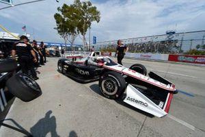 Des membres de l'équipe de Josef Newgarden, Team Penske Chevrolet