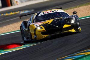 #66 JMW Motorsport Ferrari 488 GTE EVO LMGTE Am of Thomas Neubauer, Rodrigo Sales, Jody Fannin