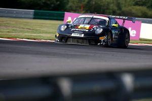 #7 Precote Herberth Motorsport Porsche 911 GT3 R: Klaus Bachler, Simona De Silvestro