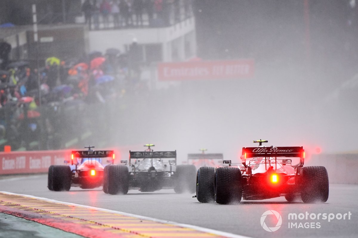 Fernando Alonso, Alpine A521, Valtteri Bottas, Mercedes W12, Antonio Giovinazzi, Alfa Romeo Racing C41