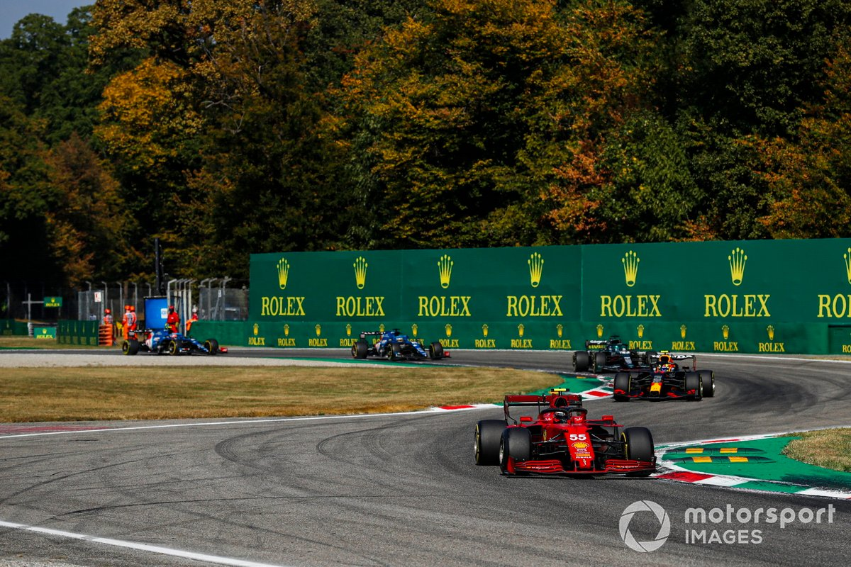 Carlos Sainz Jr., Ferrari SF21, Sergio Pérez, Red Bull Racing RB16B, Lance Stroll, Aston Martin AMR21