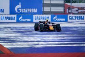Juri Vips, Hitech Grand Prix, runs wide