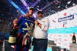 Alex Lynn, Mahindra Racing, 1ª posición, Dilbagh Gill, CEO, Director del equipo, Mahindra Racing