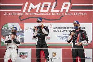 Podio: Giorgio Amati of Dinamic Motorsport, Centro Porsche Firenze, Simone Iaquinta, Dinamic Motorsport e Alessandro Giardelli, Dinamic Motorsport