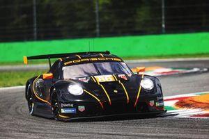 #86 GR Racing Porsche 911 RSR - 19: Michael Wainwright, Benjamin Barker, Tom Gamble