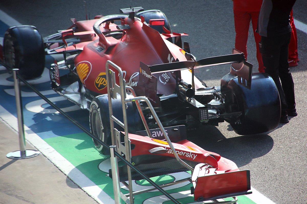 Vista trasera del Ferrari SF21