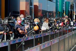 Verslaggevers en vertegenwoordigers van de media
