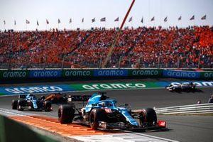 Fernando Alonso, Alpine A521, Esteban Ocon, Alpine A521, and Daniel Ricciardo, McLaren MCL35M