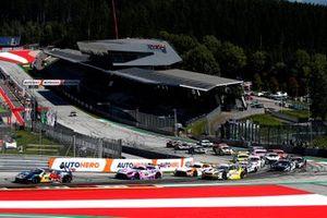 Start der DTM 2021 auf dem Red-Bull-Ring in Spielberg: Liam Lawson, AF Corse Ferrari 488 GT3 Evo, führt