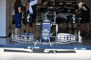 AlphaTauri AT02 front wing