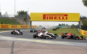 Max Verstappen, Red Bull Racing RB16B, Kimi Raikkonen, Alfa Romeo Racing C41, Mick Schumacher, Haas VF-21, Nikita Mazepin, Haas VF-21