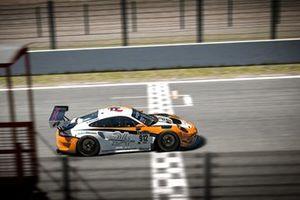 Christopher Dambietz, Alex Thiebe, Larry ten Voorde, Porsche 911 GT3 R, Porsche24 driven by Redline