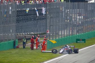 Brendon Hartley, Toro Rosso STR13, is out immediately