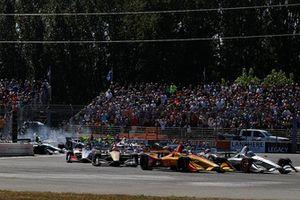 Ryan Hunter-Reay, Andretti Autosport Honda, Josef Newgarden, Team Penske Chevrolet, start