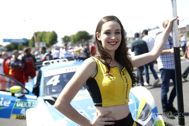 Grid girl of Robin Frijns, Audi Sport Team Abt Sportsline