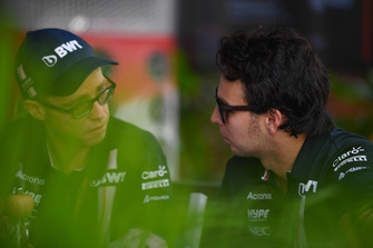 Sergio Perez, Racing Point Force India F1 Team en Will Hings, Racing Point Force India Press Officer