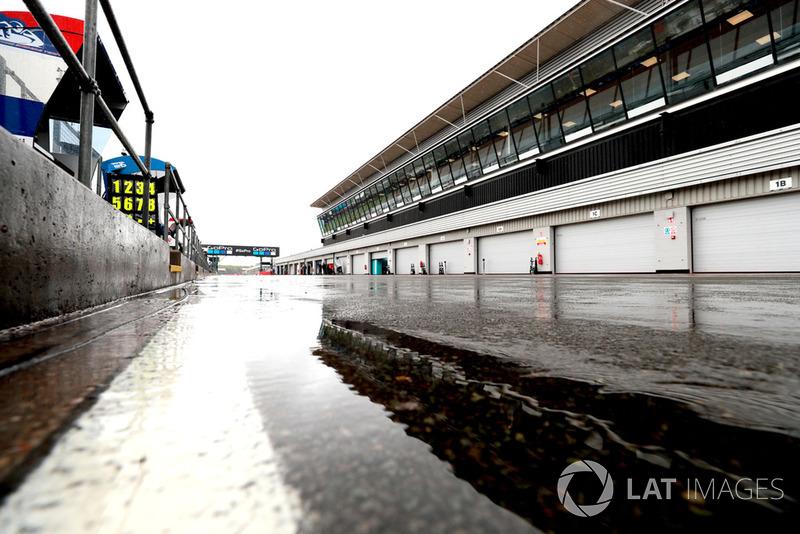 Pit lane de Silverstone durante el GP de Gran Bretaña de 2018