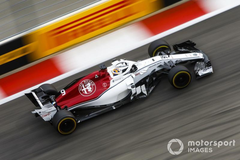 10: Marcus Ericsson, Sauber C37, 1'35.196