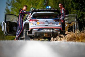 Hayden Paddon, Sebastian Marshall, Hyundai Motorsport Hyundai i20 Coupe WRC McKlein