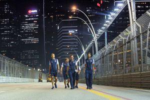 Sergey Sirotkin, Williams Racing, cammina lungo il circuito