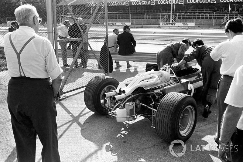Enzo Ferrari ve cómo se saca el nuevo auto