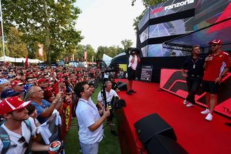 Sebastian Vettel, Ferrari en el escenario de Fan Zone