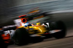 Fernando Alonso, Renault F1 Team R28 leads David Coulthard, Red Bull Racing RB4 Renault