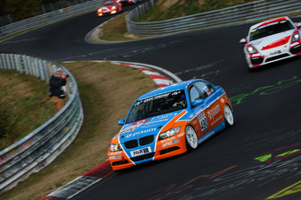 #490 BMW 325i e90: Christopher Rink, Danny Brink, Phillipp Leisen