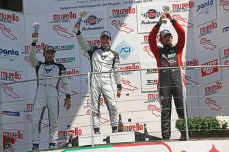 Podio DSG Gara 2: Matteo Greco, Massimiliano Gagliano, Giovanni Altoè, Pit Lane Competizioni