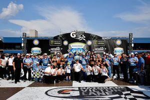 Ganador Kevin Harvick, Stewart-Haas Racing, Ford Fusion Busch Light / Mobil 1