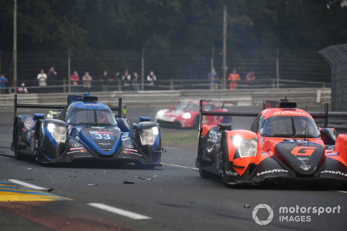 #16 G-Drive Racing By Algarve Pro Racing Oreca 07 - Gibson: Ryan Cullen, Oliver Jarvis, Nick Tandy spins in front of #33 High Class Racing Oreca 07 - Gibson: Mark Patterson, Kenta Yamashita, Anders Fjordbach
