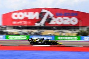 Daniel Ricciardo, Renault F1 Team R.S.20 on track