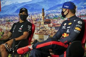 Pole Sitter Lewis Hamilton, Mercedes-AMG F1 and Max Verstappen, Red Bull Racing in the press conference