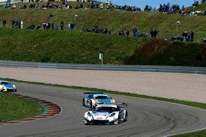 #77 Callaway Competition Corvette C7 GT3-R: Jeffrey Schmidt, Markus Pommer