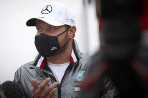 Valtteri Bottas, Mercedes-AMG F1 speaks to the media