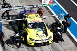 Timo Glock, BMW Team RMG, BMW M4 DTM, pitstop