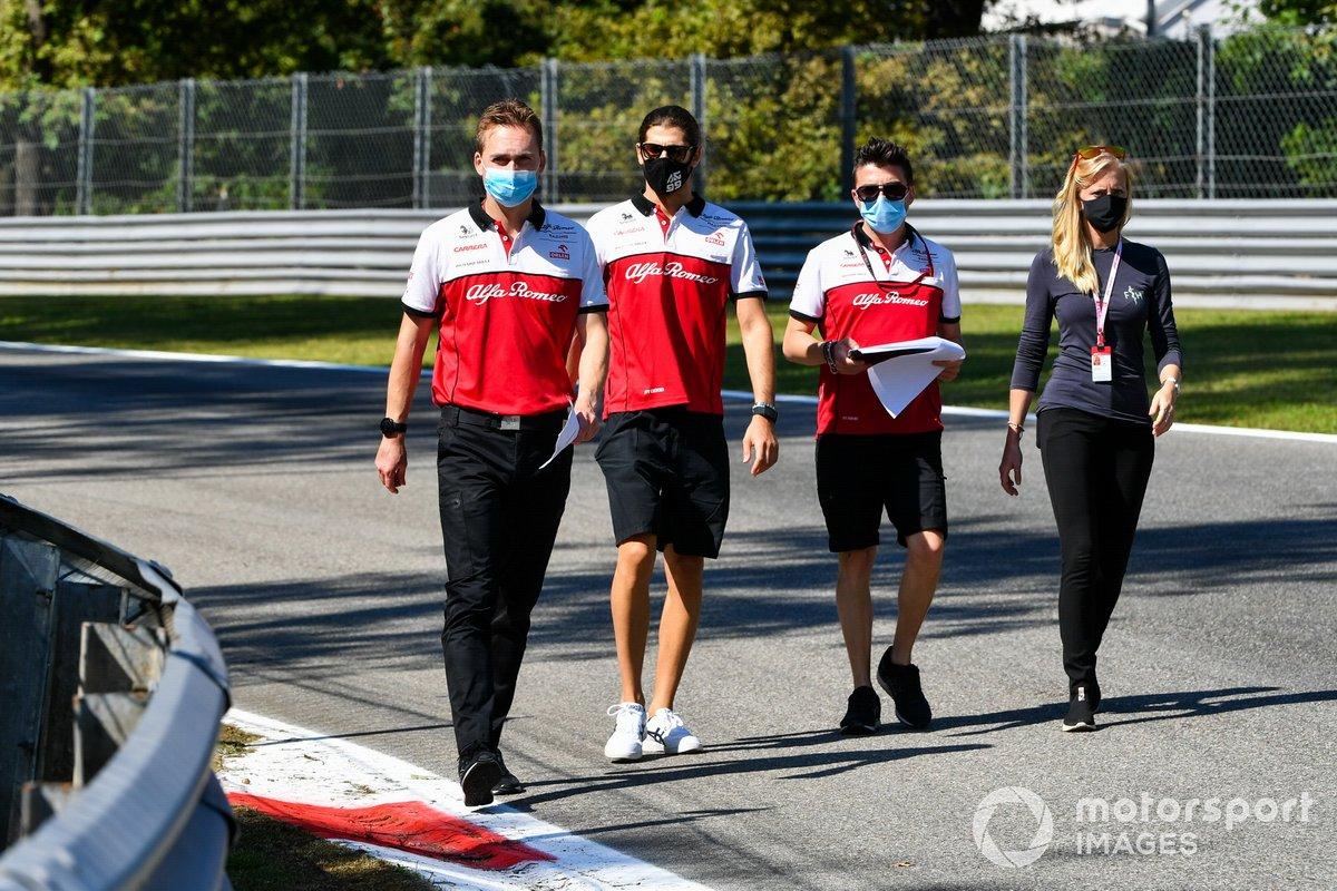 Antonio Giovinazzi, Alfa Romeo, cammina in pista