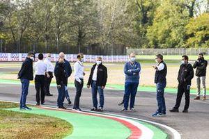 Michael Masi, director de carrera de la FIA y los delegados de la FIA