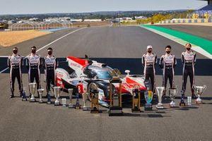 #8 Toyota Gazoo Racing Toyota TS050 con Mike Conway, Kamui Kobayashi, Jose Maria Lopez y Sébastien Buemi, Kazuki Nakajima, Brendon Hartley