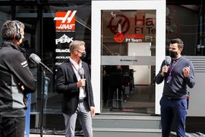 David Coulthard, Channel 4 F1, Steve Jones, Channel 4 F1, entrevista a Guenther Steiner, director del equipo, Haas F1