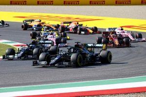 Lewis Hamilton, Mercedes F1 W11, Valtteri Bottas, Mercedes F1 W11 battle at the restart