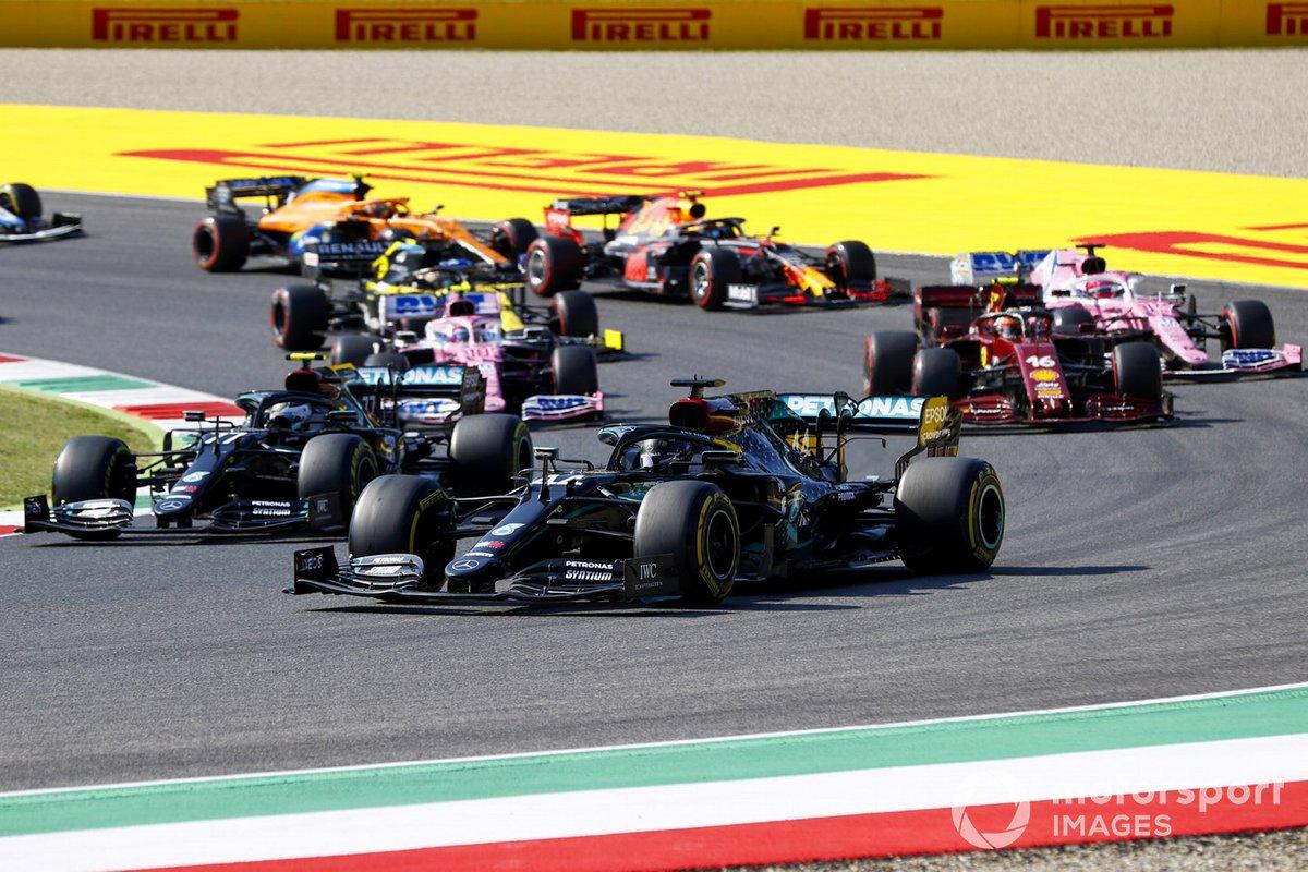 Lewis Hamilton, Mercedes F1 W11, Valtteri Bottas, Mercedes F1 W11 al inicio
