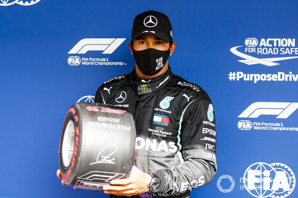 Pole Sitter Lewis Hamilton, Mercedes-AMG F1 celebrates in Parc Ferme with the Pirelli Pole Position Award