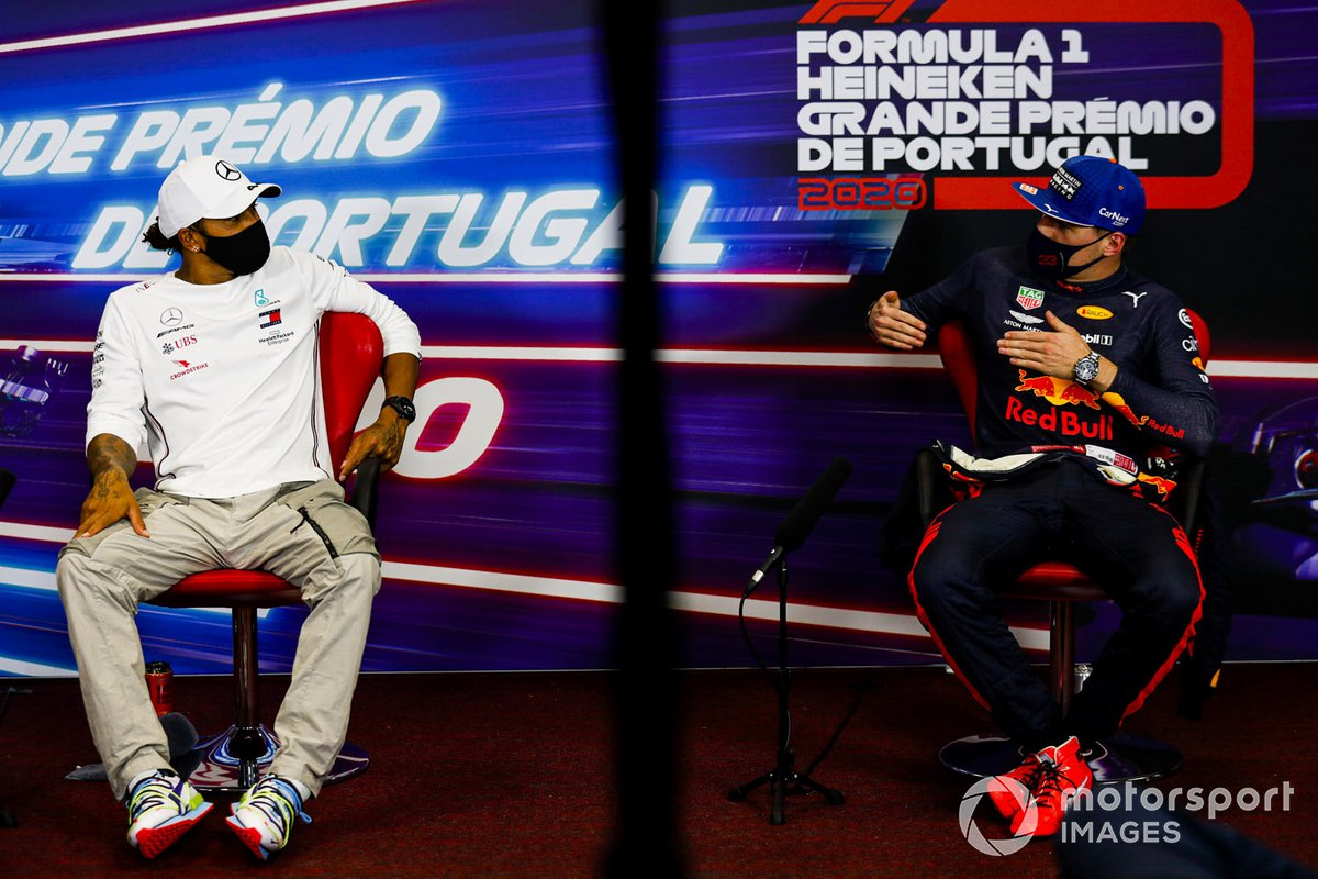 Pole man Lewis Hamilton, Mercedes-AMG F1, e Max Verstappen, Red Bull Racing, in conferenza stampa