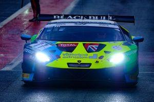 #77 Barwell Motorsport Lamborghini Huracan GT3 Evo: Rob Collard, Leo Machitski, Sandy Mitchell,