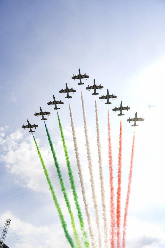 Авиагруппа Frecce Tricolori на учебных истребителях Aermacchi MB339A