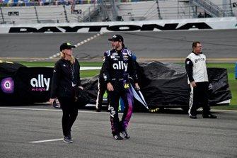 Jimmie Johnson, Hendrick Motorsports, Chevrolet Camaro Ally, rain delay