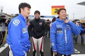 松井孝允(#25 HOPPY 86 MC)と山下健太、坪井翔